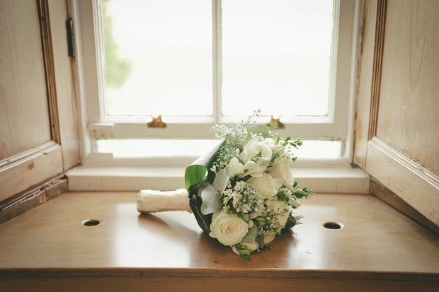 7_Classic_Cream_White_Wedding_Bouquet_Roses_Babys_Breath