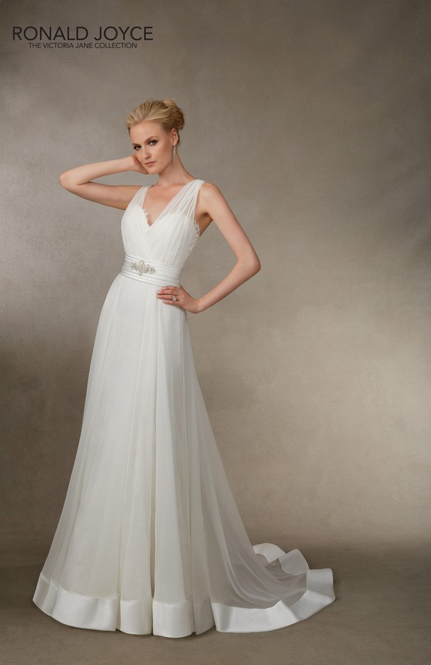 Victoria_Jane_Ronald_Joyce_2016_Wedding_dresses_Jolene