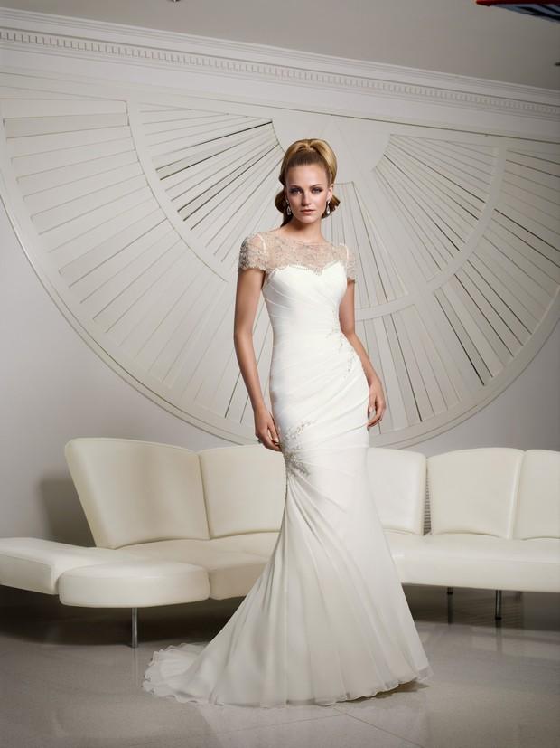 Victoria_Jane_Ronald_Joyce_2016_Wedding_dresses_Valentina