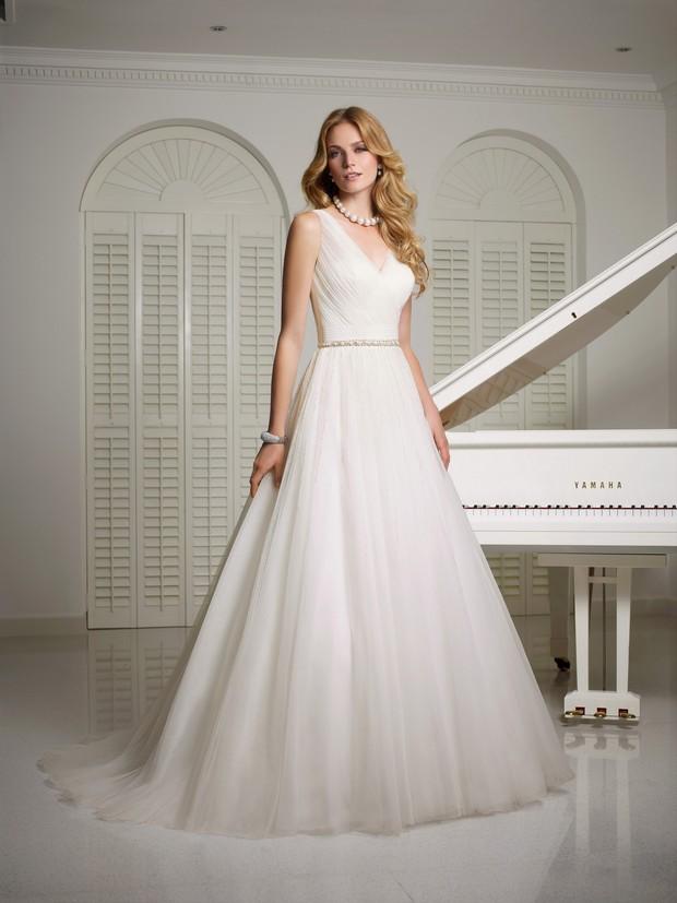Victoria_Jane_Ronald_Joyce_2016_Wedding_dresses_vanda