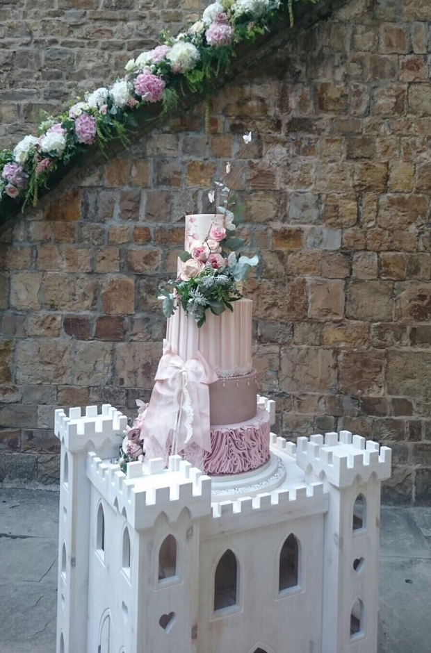 lisa-cannon-wedding-cake-italy