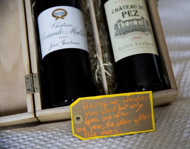 13-Groom-gift-to-bride-wine-one-year-anniversary
