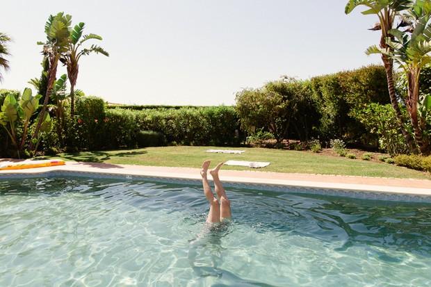 2-Destination-Wedding-Morning-Pool-Matt+Lena_Photography