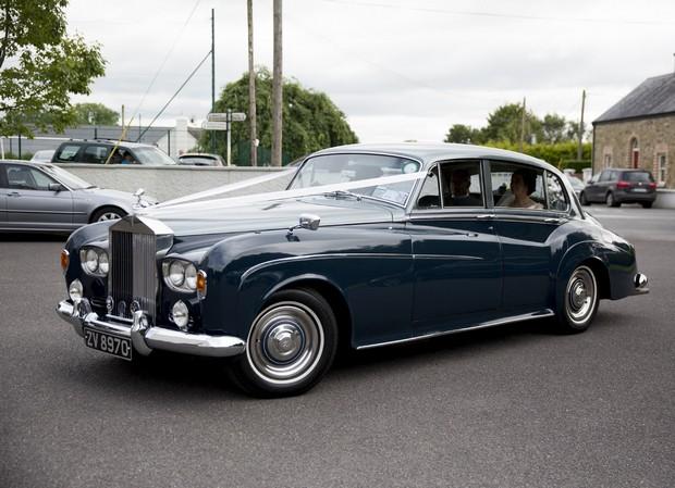 32-teal-coloured-rolls-royce-wedding-car (4)