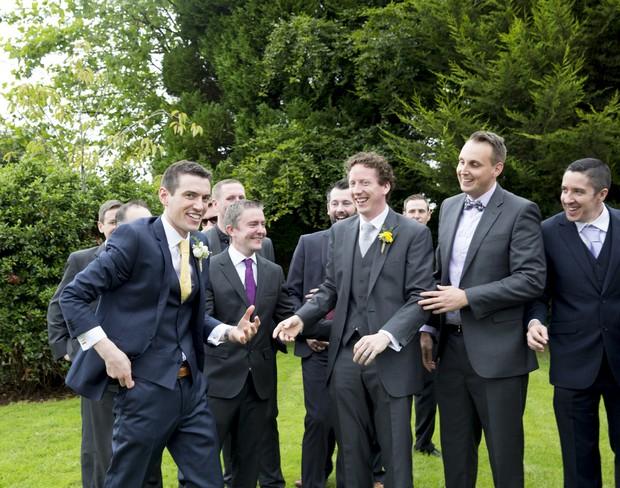 36-groomsmen-messing-wedding-photos