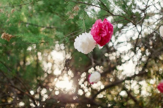 37-Destination-Wedding-Portugal-Pink-White-Paper-Outdoor-Wedding-Decor