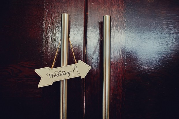 39-wedding-sign-arrow