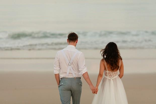 46-Willowby-Watters-Love-Marley-Penelope-Dress-Real-Bride-Beach-Wedding-Dress (5)