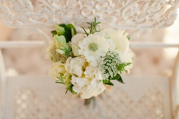 5-fresh-green-white-wedding-bouquet-Matt+Lena-Photography