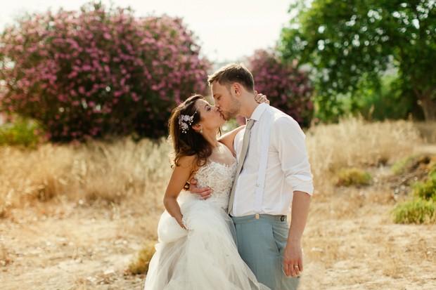 Willowby-Watters-Love-Marley-Penelope-Real-Bride-Destination-Wedding-Portugal-weddingsonline (2)