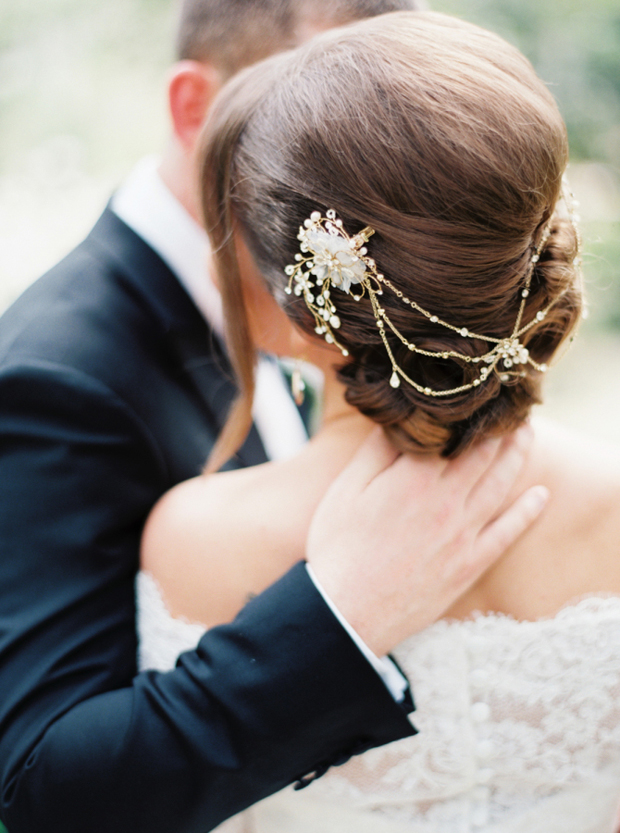 bridal-updo-with-hair-chain