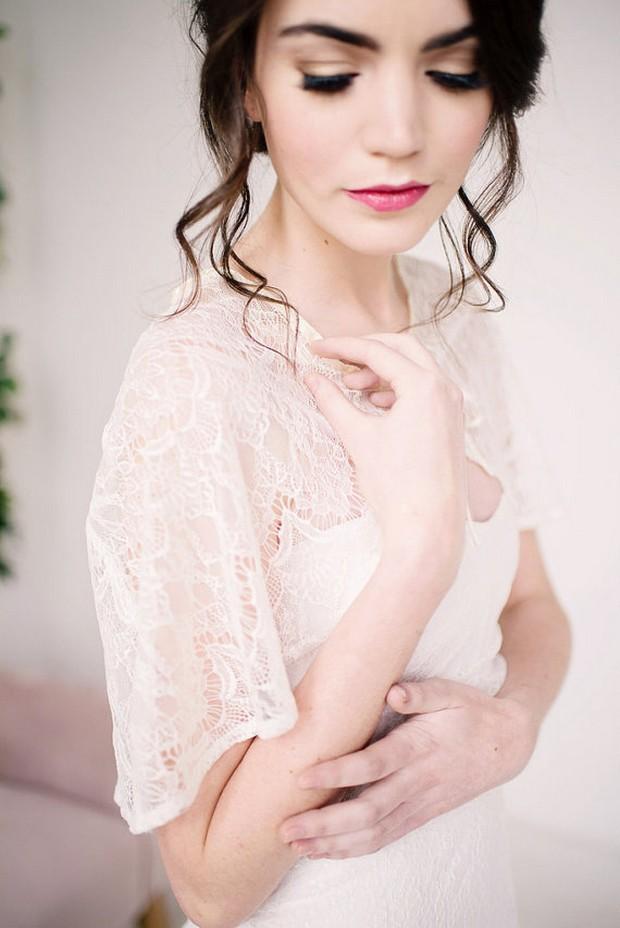 lace-bridal-cape-tessakim-weddingsonline