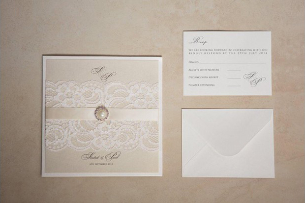 lace-classic-wedding-invitation-exvclusively-yours