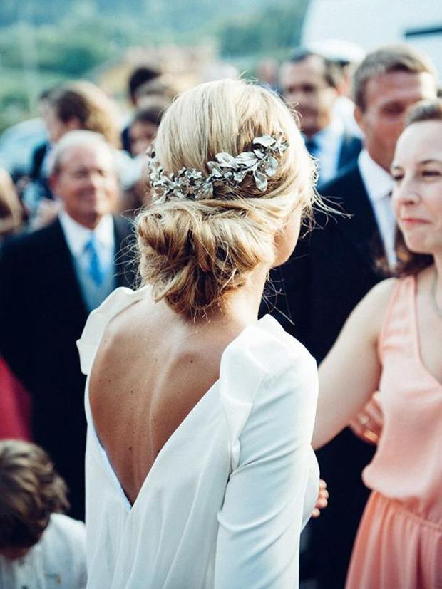 loose-boho-bridal-updo-wedding-hairstyles