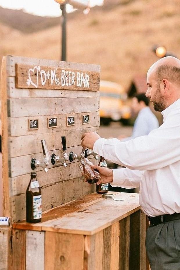 outdoor-wedding-beer-bar-diy-popsugar