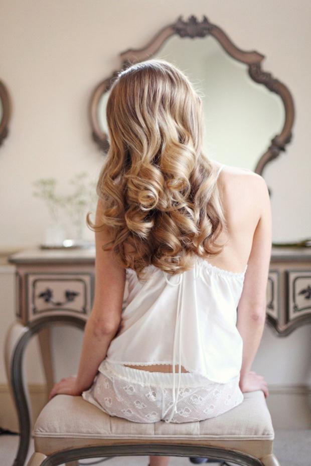 romantic-curls-wedding-hairstyles