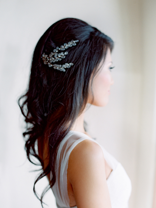 soft-waves-with-diamante-hairpiece-wedding-hairstyles