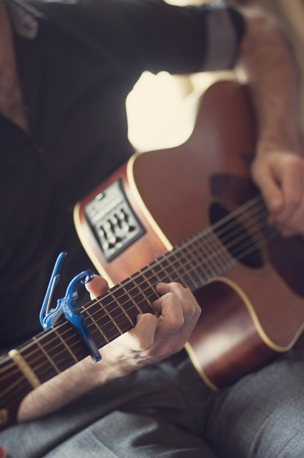 20-Wedding-Entertainment-Guitarist-Musician