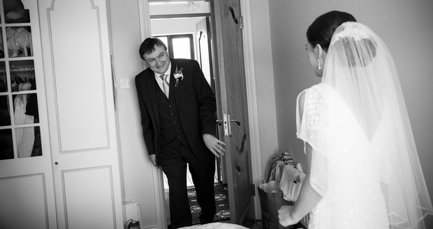 23-father-of-the-bride-first-look-photo-ireland (2)