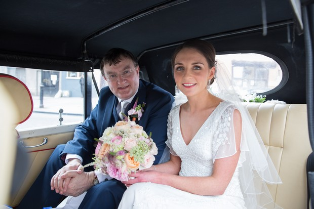 26-bride-father-in-wedding-car