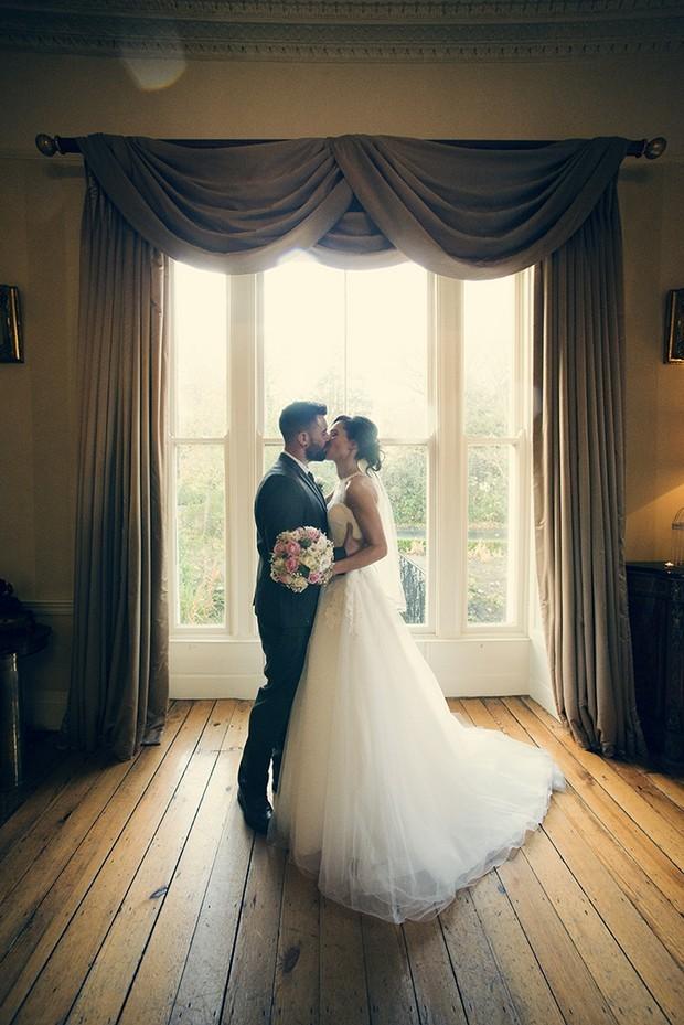 37-Beautiful-Wedding-Portrait-Window-Couple-Photography