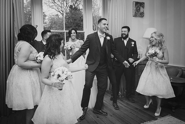 38-Fun-Wedding-Photography-Ideas-Couple