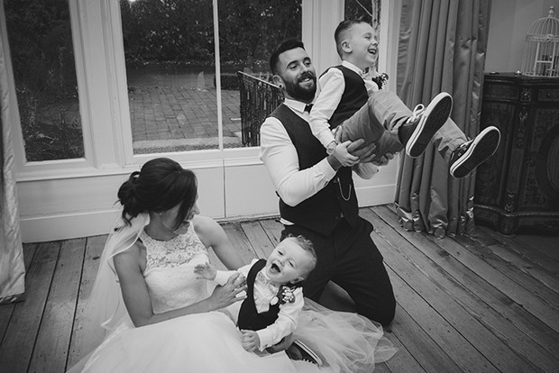 40-Fun-Wedding-Photography-Young-Family-Married