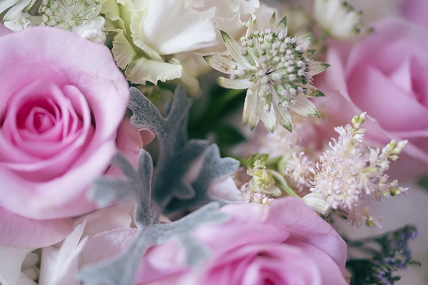 5-Pink-Roses-Wedding-Bouquet-Close-Up