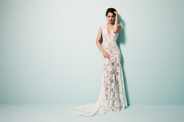 Vestido-de-boda-moderno-diseñador-Daarlarna-Couture-vestido-con-panel-transparente