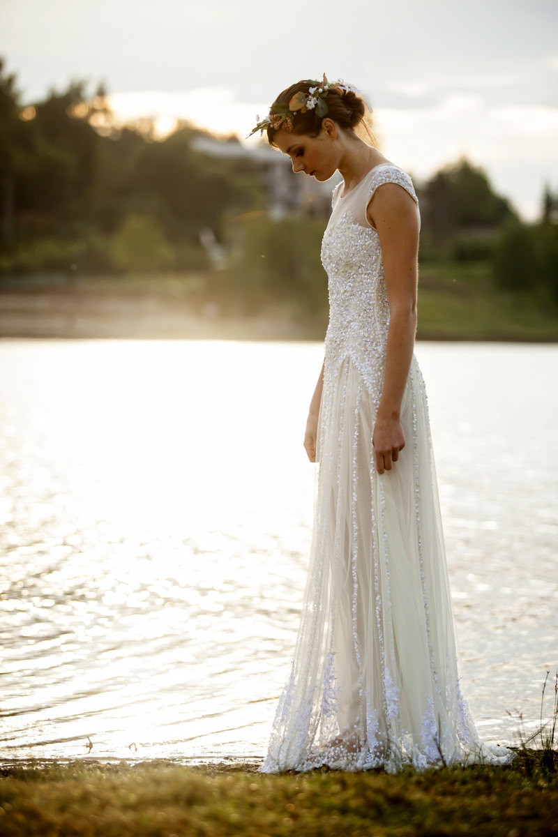 25 breathtaking beach wedding dresses weddingsonline for Etsy dresses for weddings