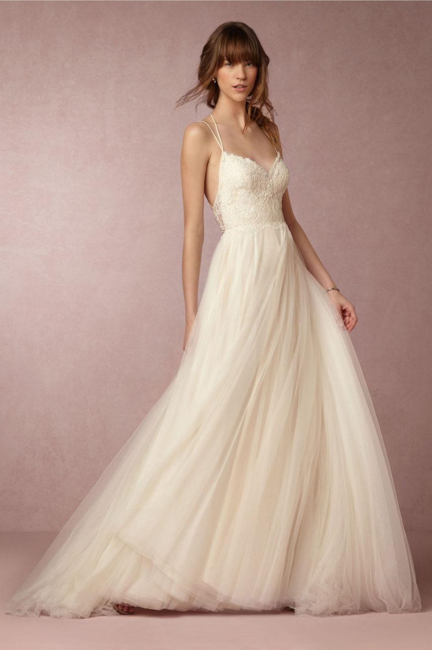 25 Breathtaking Beach Wedding Dresses