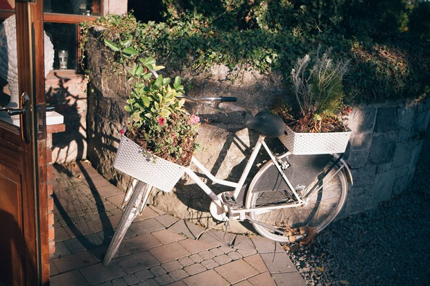 bicycle-with-flowers-wedding-decor