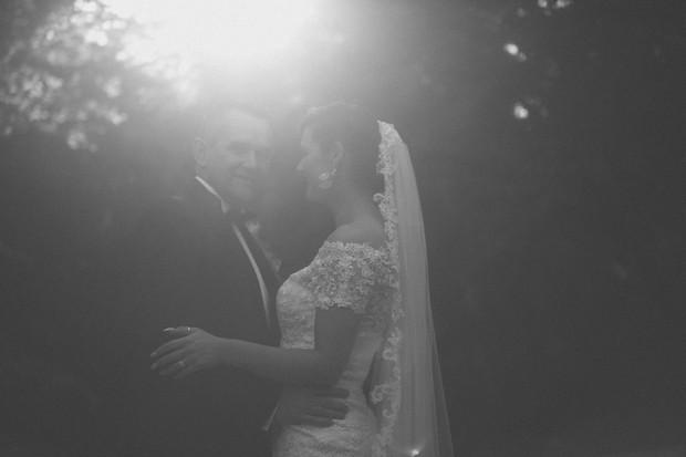 bride-and-groom-sunlight-boyne-hill-house-wedding