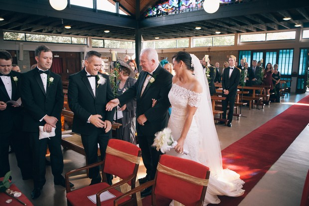 bride-arriving-to-church-with-father-of-the-bride