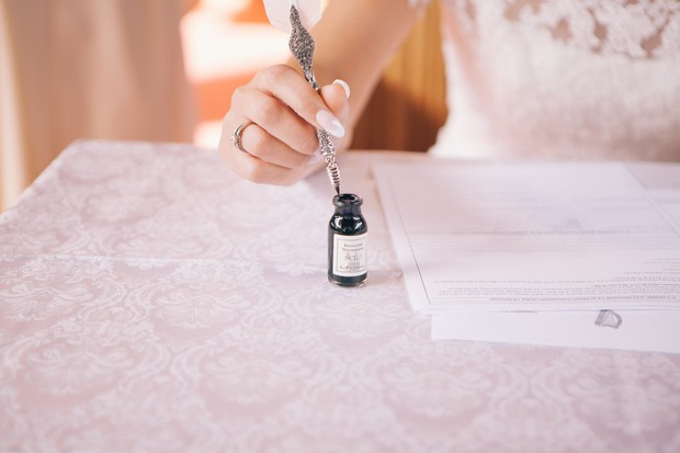 bride-signing-registrar