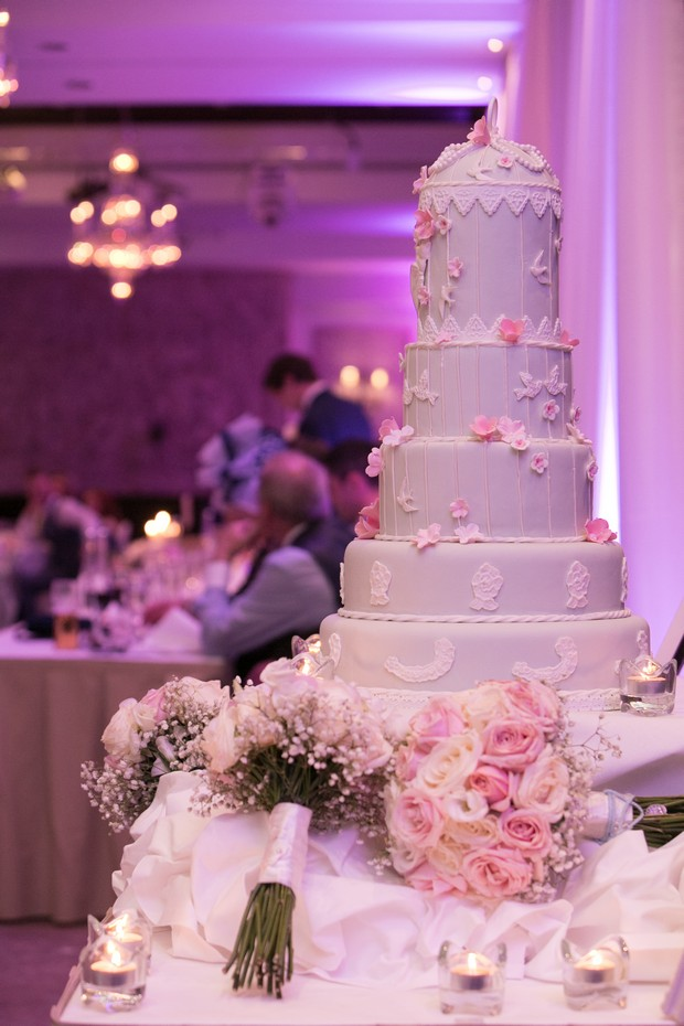 fake wedding cakes northern ireland a chic clontarf castle wedding by paul photography 14138