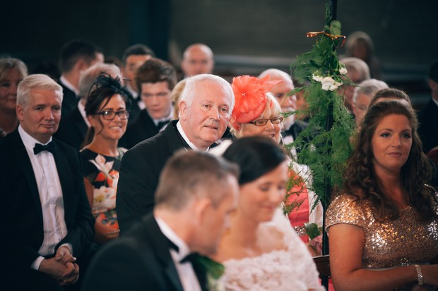 wedding-guests-church-ceremony