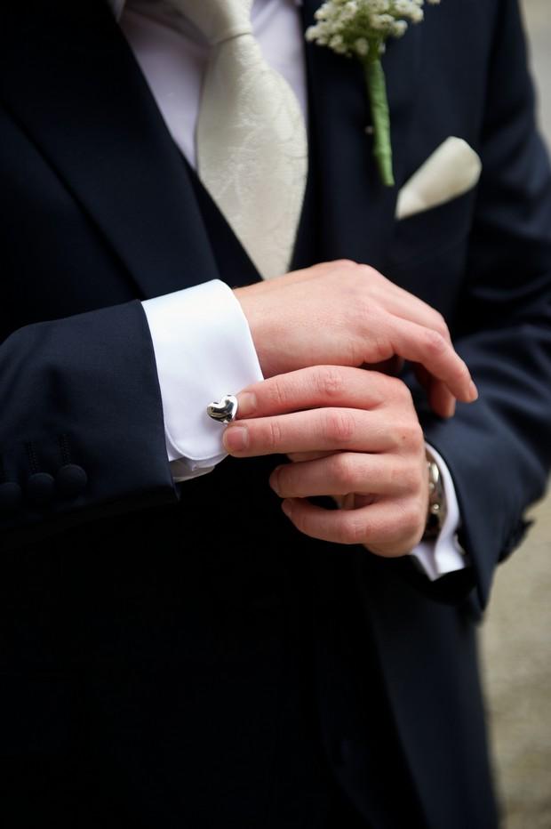 18-Special-Wedding-Cufflinks-Silver-Hearts-weddingsonline