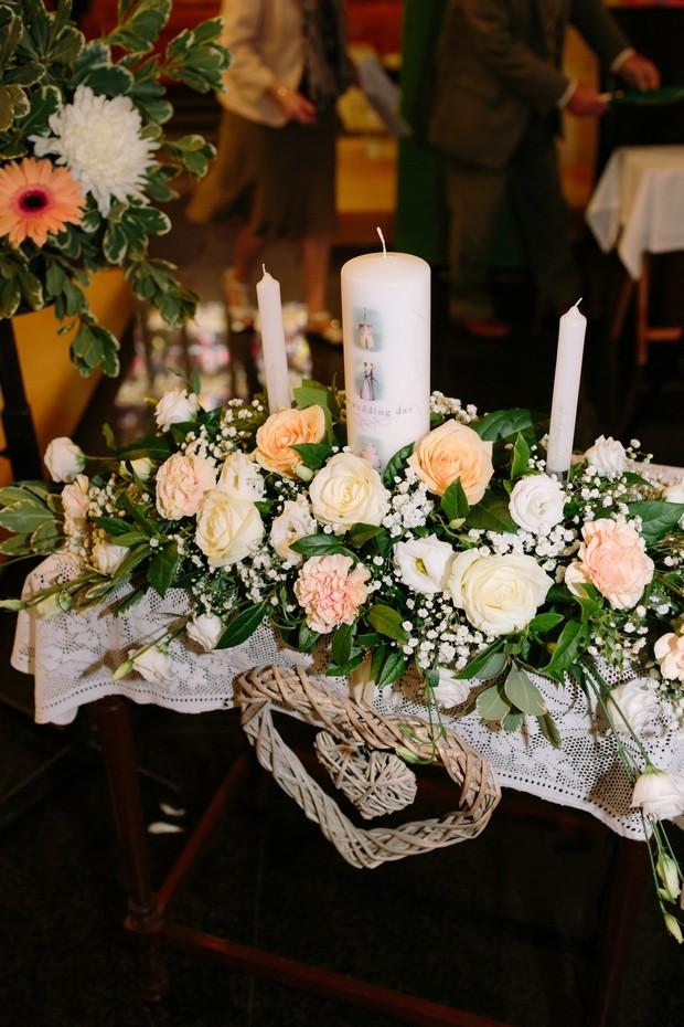 22-Wedding-Candle-Display-Flowers