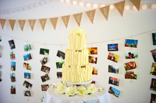30-Statement-Wedding-Cake-White-Chocolate-weddingsonline