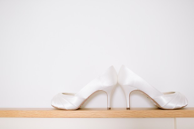 7-Simple-White-Satin-Wedding-Shoes-Bride-Style