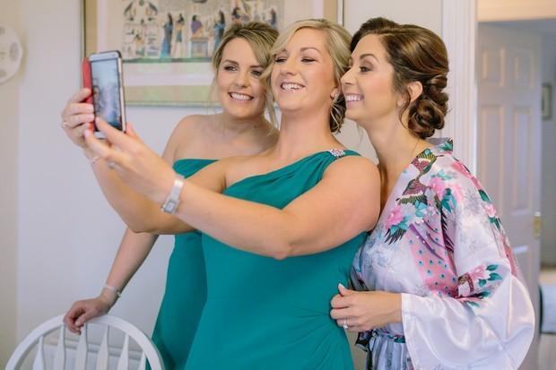 9-Wedding-Morning-Selfie-Bride-Bridesmaids