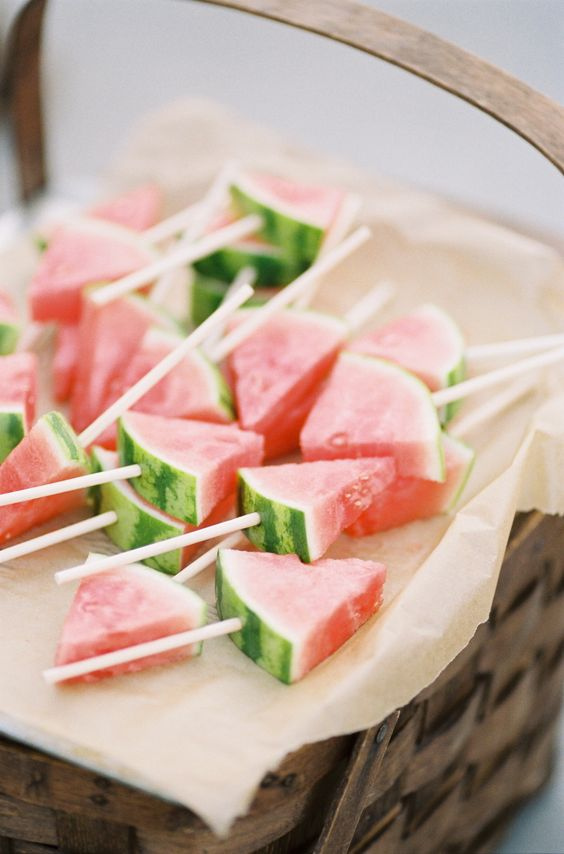 TROPICAl-wedding-canapes
