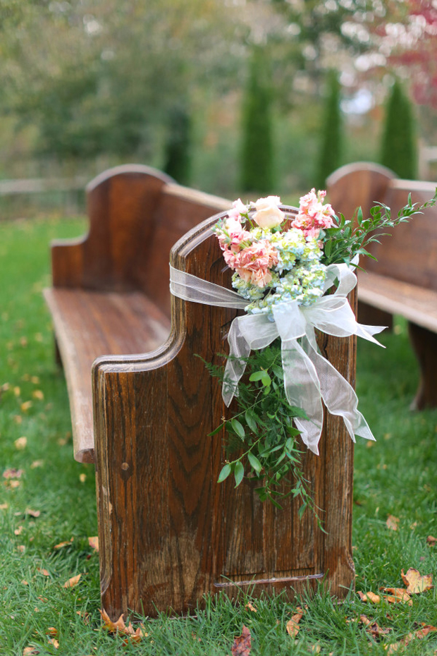 bow-and-foliage-pew-ends
