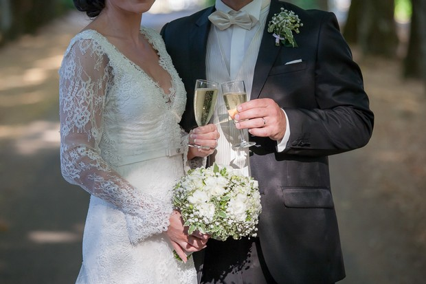 bride-and-groom-toasting-with-champagne