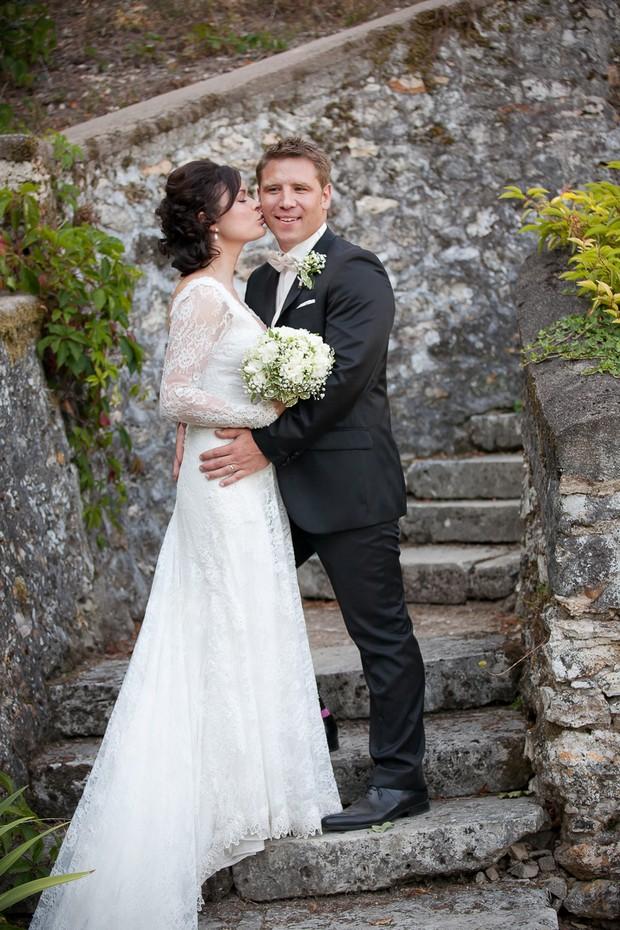 bride-kissing-groom