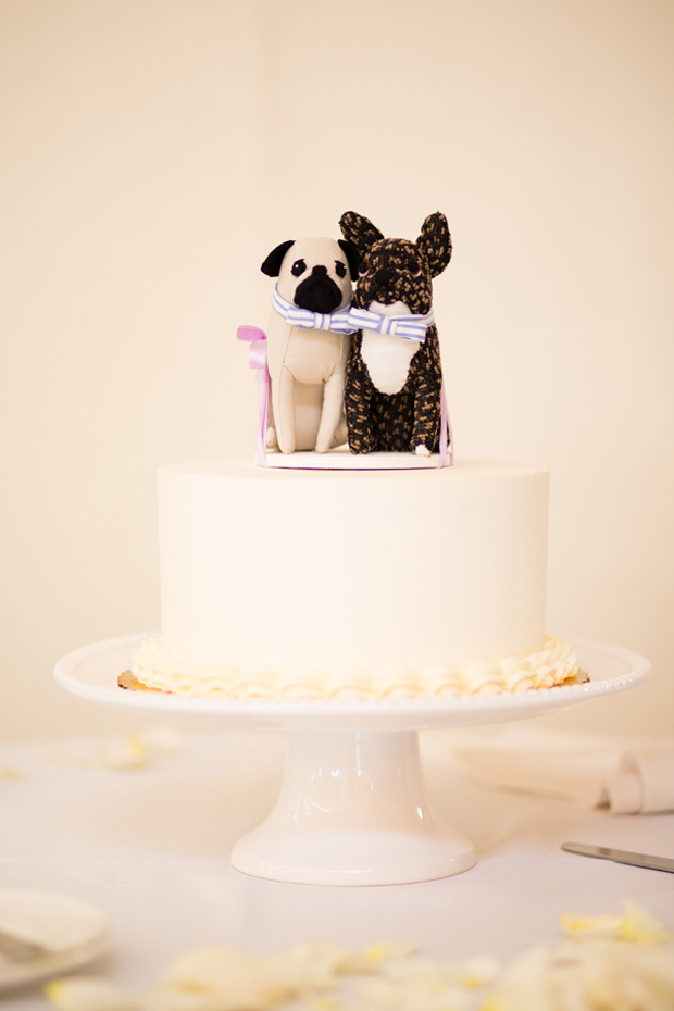 dog wedding cake topper 12 incredibly personalised cake toppers weddingsonline 13686