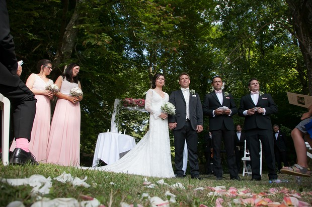 french-chateau-wedding-bridal-party-at-ceremony