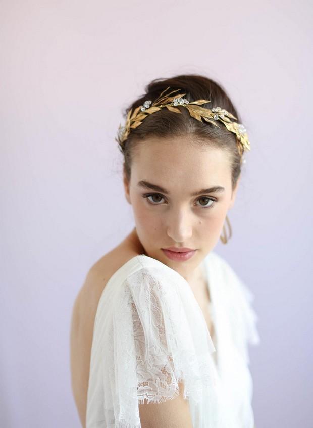 game-of-throwns-wedding-crown-gold-leaf-twigsandhoney
