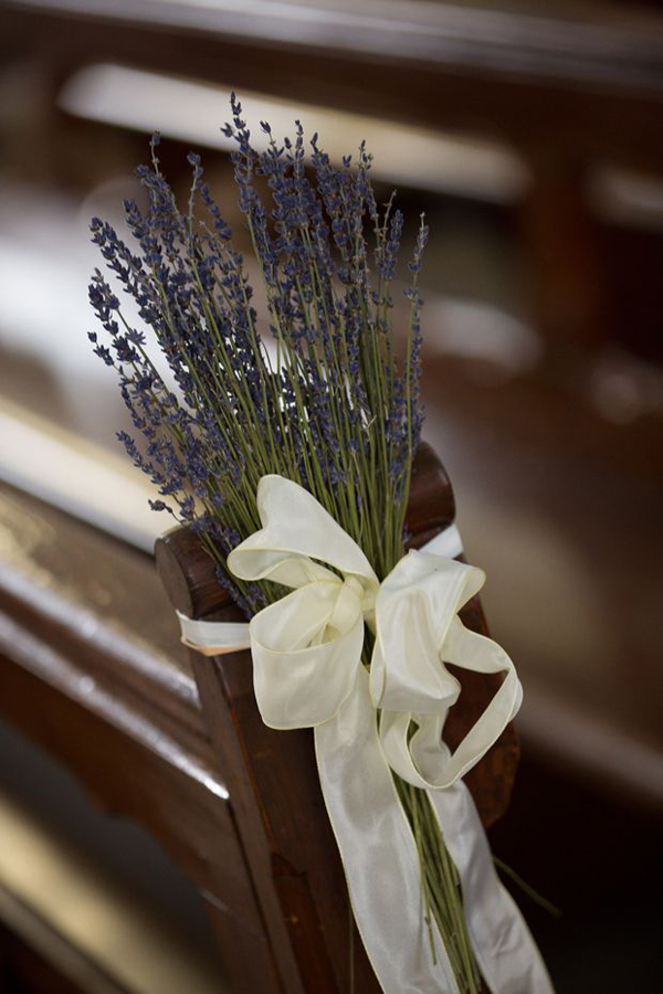 lavender-cream-bow-pew-ends